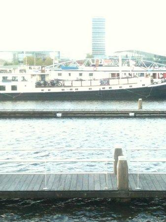 Vita Nova at dock