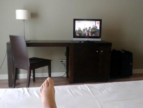 HG La Molina: Un televisor pequeño y lejano
