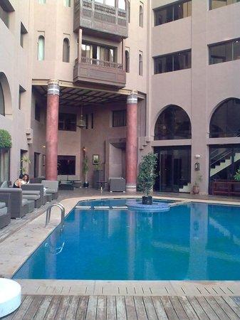 Hivernage Hotel & Spa: outside pool, inner yard