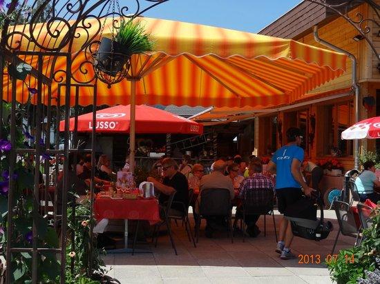Hotel-Restaurant Ronalp: Outside sitting