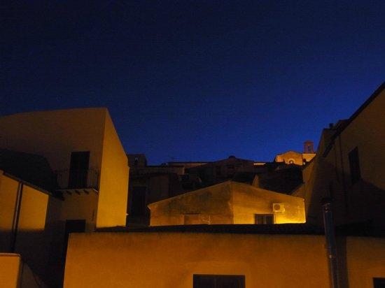 Night and Day B&B: Le ciel et la cathedral de la chambre à l'aube
