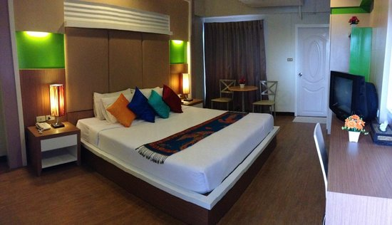 Charoenchit House Hotel : ห้อง Deluxe