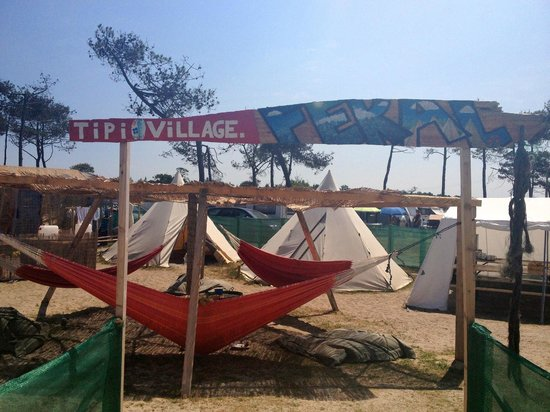 Feral Surf Tours : Welcome to Tipi Village