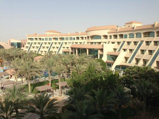 Al Raha Beach Hotel: batiment principal de l'hotel