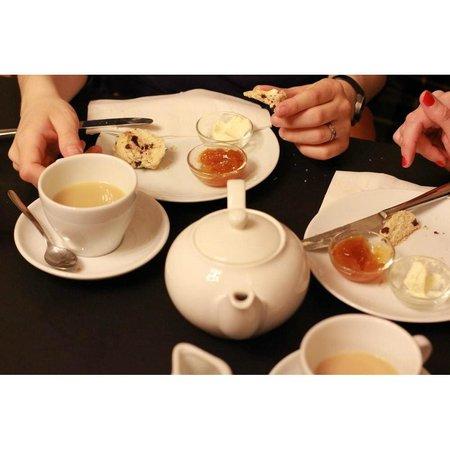 Marta: Cream Tea