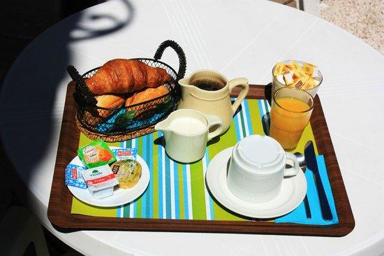 Hôtel le Virevent : plateau de petit déjeuner