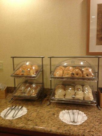 Fairfield Inn St. George : Breakfast pastries & breads