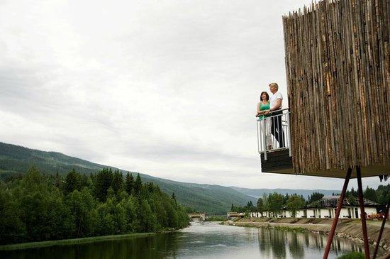 Hallingdal Feriepark: Exterior - unique cabin on stilts (!) (photo: T. Bjørnsen)