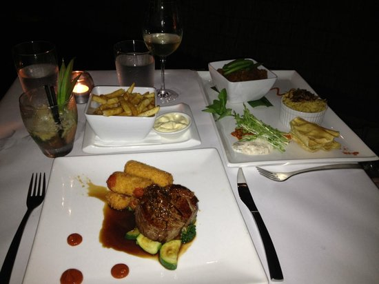 Watergate Restaurant & Lounge Bar : Eye Fillet and Indian Beef Curry