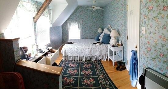 Manoir Le Tricorne: Une des petites chambre
