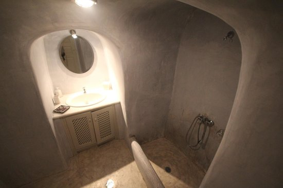 Ambelia Traditional Villas: Bathroom