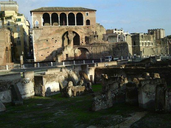 Ancient Rome -  Day Tours: passeggiata archeologica