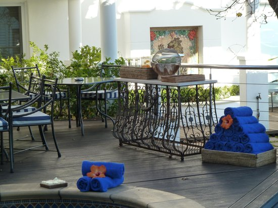 The Twelve Apostles Hotel and Spa : Pool area