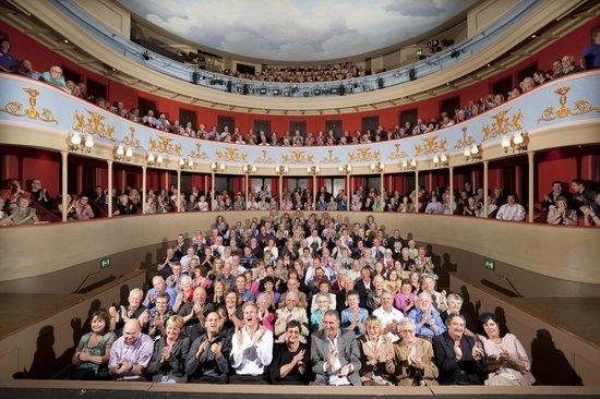 Theatre Royal, Bury St. Edmunds: A full house!