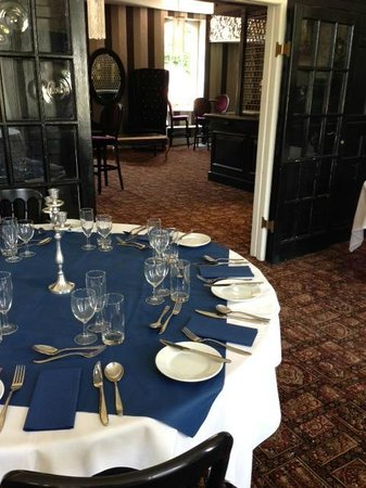 Eastclose Country House Hotel: Garden Suite into Function Bar