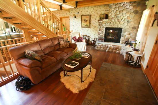 Carbon Countrys Shady Rest Bed and Breakfast: Enjoy relaxing in front of our gorgeous stone fire place