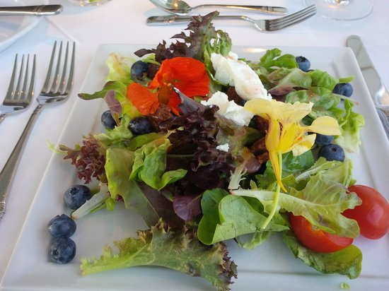 "Spruce Point Inn: Signature Salad at ""88"""