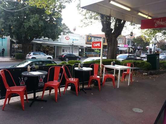 The Gilded Lily: lovely street scape seating