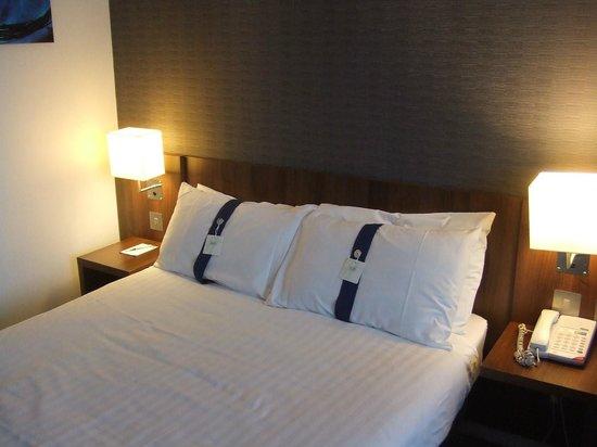 Holiday Inn Express Tamworth: Choice of pillows