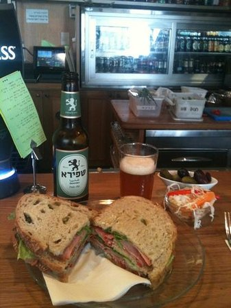 Casino de Paris : Decadent Sandwich and Shapira Beer