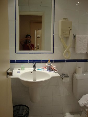 Hotel Grenelle: Banheiro