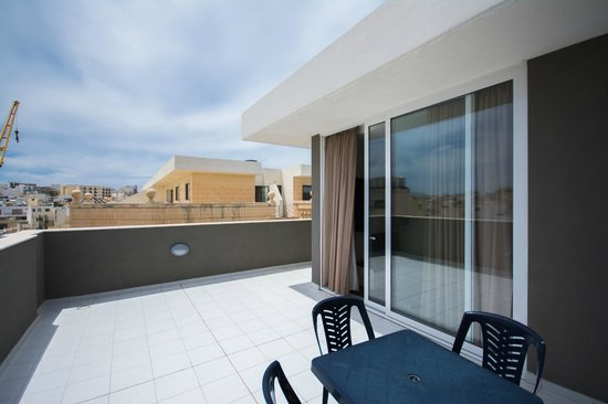 Depiro Point: One-Bedroom Apartment Penthouse Apartment Terrace