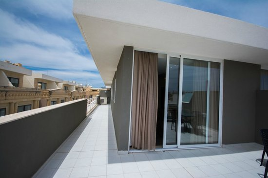 Depiro Point : Two-Bedroom Apartment Penthouse Apartment Terrace