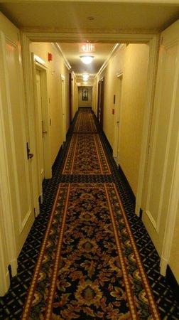 Mt. Vernon Baltimore: 12th floor corridor