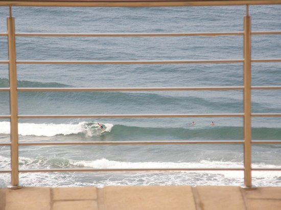 Zimbali View Eco Guesthouse: Watch world class surfing all year round