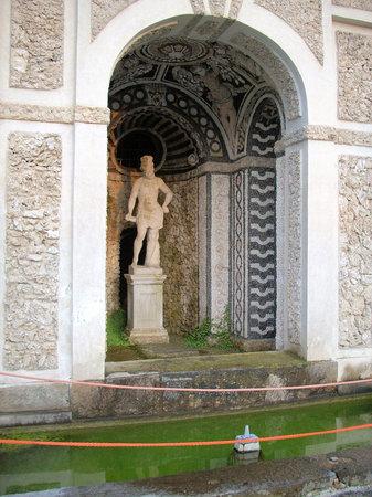 Villa della Regina: Nei giardini 2