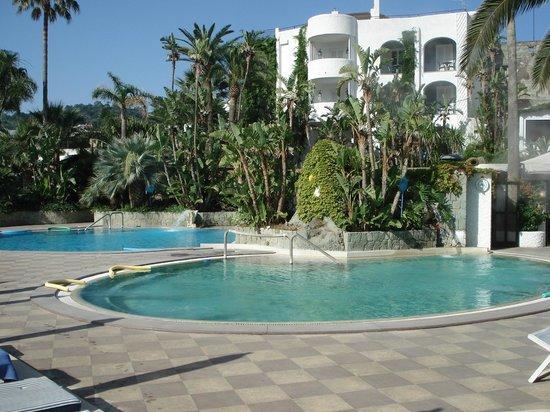 Hotel Parco Maria Terme: vorne das Außtenthermalbecken mit 38 ° C