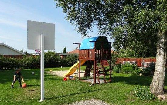 Skjoldbjerg Garnihotel : Kids play area