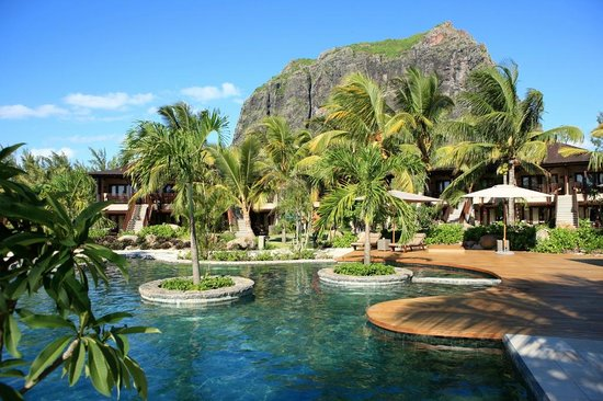LUX Le Morne: Garden view