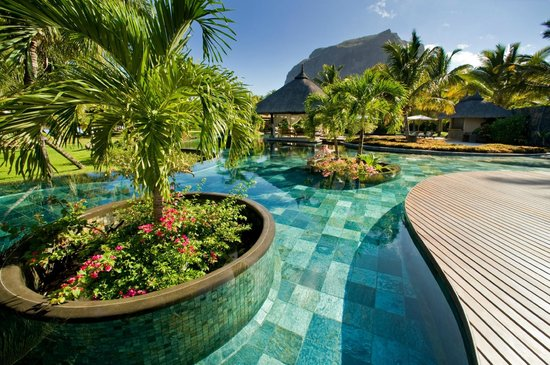 LUX* Le Morne: Pool view