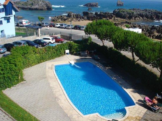 Hotel Torre Cristina: Zona de piscina