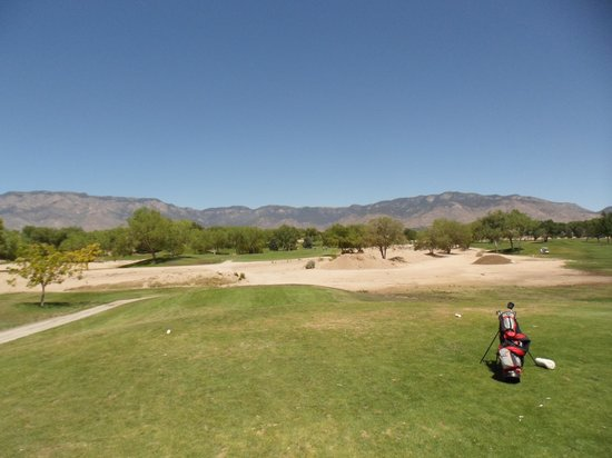 ‪Arroyo del Oso Golf Course‬