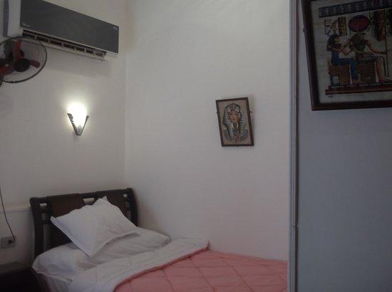 Family Palace Hotel: room