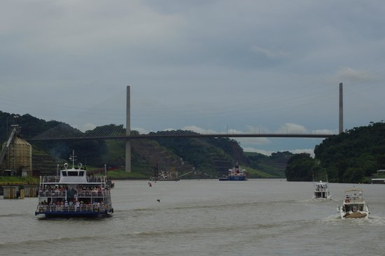 Panama Canal Partial Transit Tour: Transito Parcial del Canal
