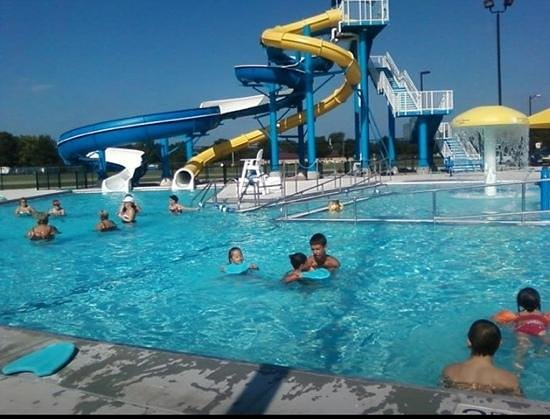 Gaylord, MN: water slides