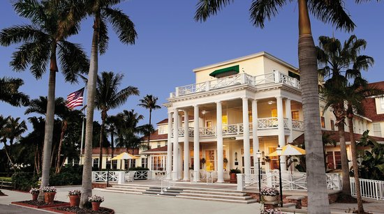 Gasparilla Inn & Club: Evening front entrance photo of The Inn.