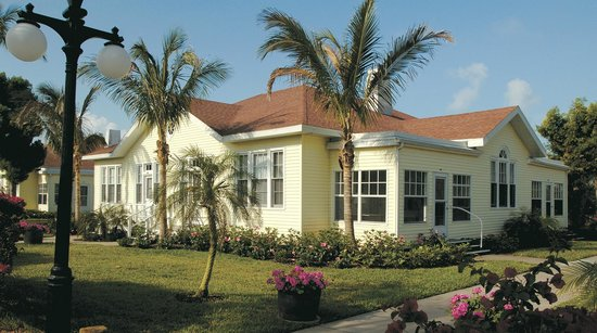 Gasparilla Inn & Club: Exterior daytime photo of one of The Inn's 18 cottages