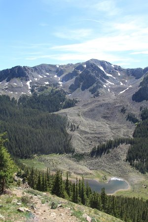Wheeler Peak Wilderness Area: Williams Lake visto dal trail
