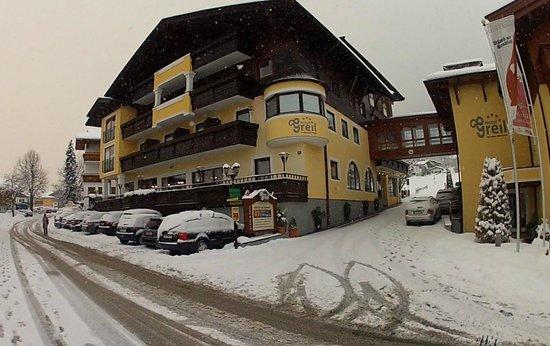 Hotel Greil: Fresh snow fall makes good skiing