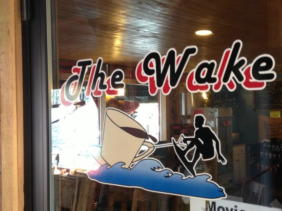 The Wake Coffee Shop: Great Cafe on the Lake
