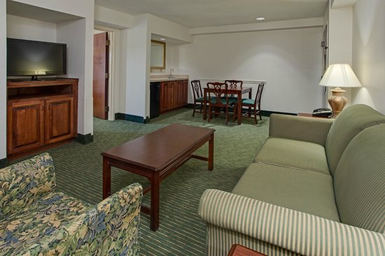 Hampton Inn Pawleys Island - Litchfield : Suite Living Room