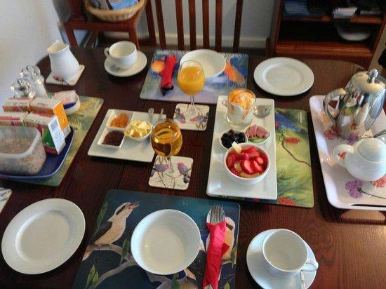 B&B By The Sea : Lovely Breakfast!