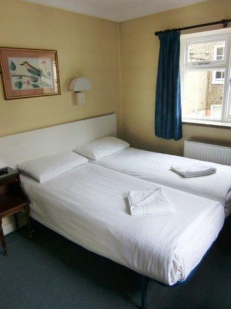 Crestfield Hotel: Camera 32