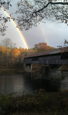Country Cow Restaurant and Bar : Double rainbow over the bridge