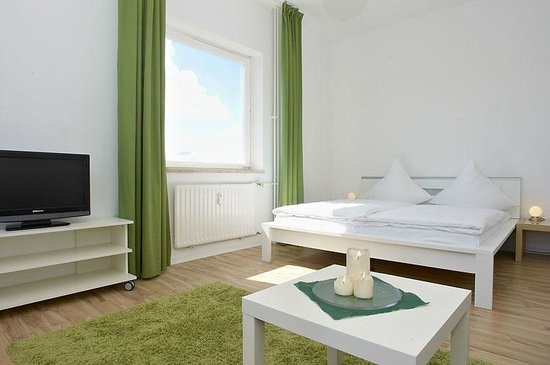 A&B Apartment & Boardinghouse Berlin: Comfort Apartment Schlafzimmer