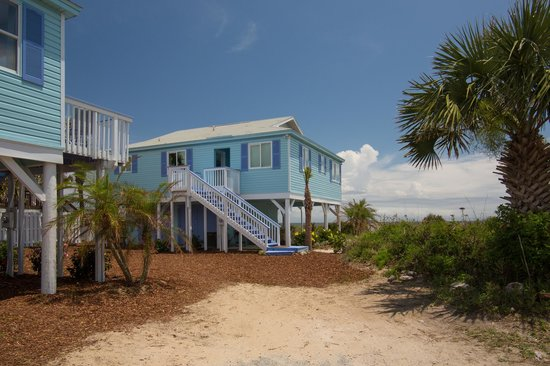 Beachcomber Cottages on Vilano : Beachcomber Cottages--private parking and direct beach access